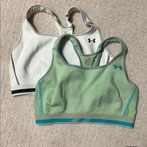 Size medium under armour sports bras